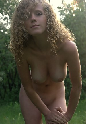 Free Teen Outdoor Porn Pictures