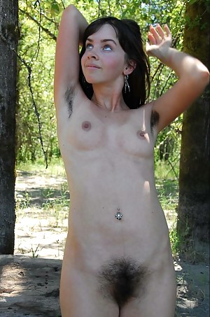 Mature woman shaving pussy