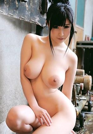 Nude girls with big boobs