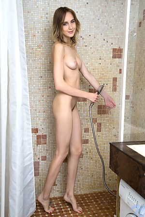 Free Teen Shower Porn Pictures